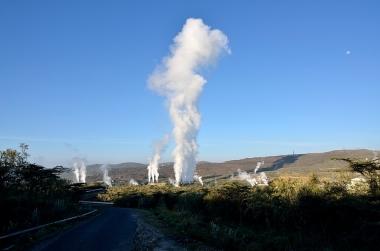 Olkaria geothermal plant, Naivasha, Kenya Source: Lydur Skulason, creative commons
