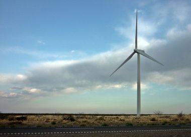 Wind turbine at Loma Blanca wind farm in Argentina (Photo by Federico López, CC BY SA, Wikimedia Commons)