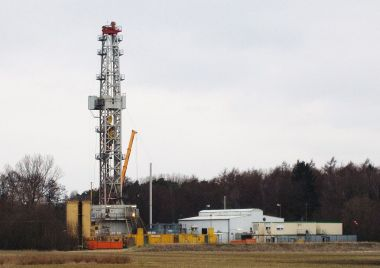 Gas well (photo by Battenbrook, CC BY SA, Wikimedia Commons)