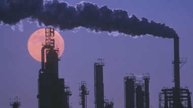 Time for a price on carbon in the US (Shutterstock image)