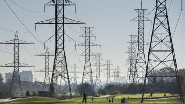 Transmission lines (Darren Calabrese, The Canadian Press)