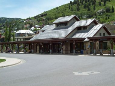 Park City Transit Center  (photo by An Errant Knight, CC BY SA, Wikimedia Commons)