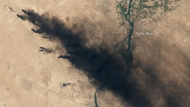 Iraqi oil wells burning (NASA satellite image)