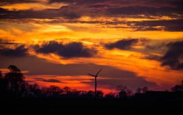 Wind turbine. (Author: Susanne Nilsson.  License: CC BY SA 2.0 Generic.)