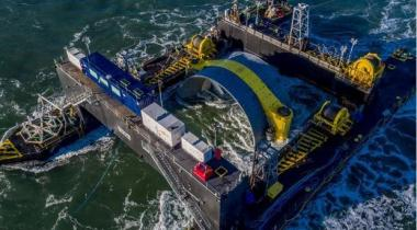 Tidal turbine being deployed (Cape Sharp Tidal image)