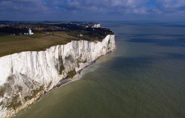 White Cliffs of Dover (Photo : Ben Pruchnie / YouTube)