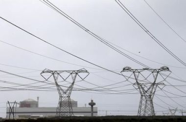 Pylons near the Koeberg nuclear power plant  (Reuters / Mike Hutchings / File Photo)