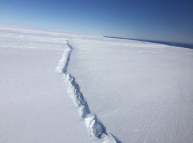 Rift in Antarctic glacier