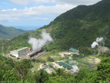 Philippine geothermal plant (source: Mike Gonzalez, CC BY-SA)