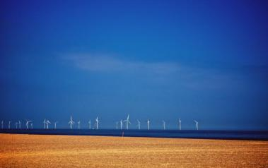 Offshore wind park (Author: Tim Collins, CC BY-SA)