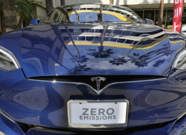 Tesla Model S (Photo: Richard Vogel / AP)