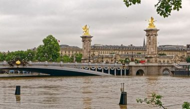 Flooding in Paris (Biker Normand, via Wikipedia, some rights reserved)