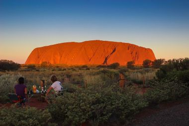 A picnic at sunset in Australia  (Photo: Sharyn.carr, Wikimedia Commons)
