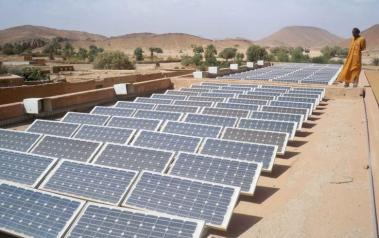 Solar power in Algeria (Source: russavia on  flickr.com, CC BY 2.0, via Wikimedia Commons)