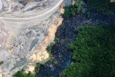 Aerial view of Indonesian coal mining  (Photo by Daniel Beltrá / Greenpeace)