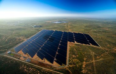 Broken Hill solar plant, in South Australia (Jeremy Buckingham, Wikimedia Commons)