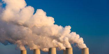 Coal plant (image: www.shutterstock.com)