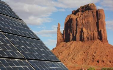 Navajo solar system (Photo: Katrin Mehler / Cronkite News)