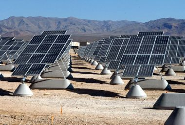 A solar array at Nellis Air Force Base (Photo: Wikicommons)