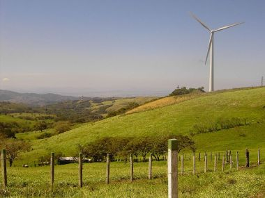 Enel wind turbine in Costa Rica (Richie Diesterheft, Wikimedia Commons)