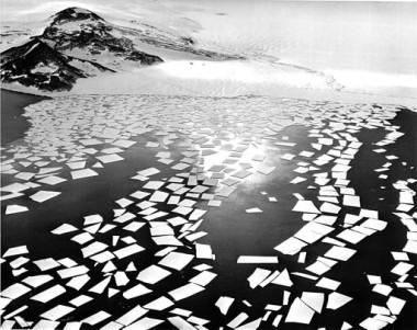 Record minimum Antarctic sea ice (Robert Woods, US Navy)