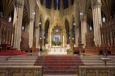 Saint Patrick's Cathedral in Manhattan (Jean-Christophe BENOIST, Wikimedia Commons)