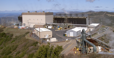 Sonoma Calpine 3 geothermal plant  (Stepheng3, Wikimedia Commons)