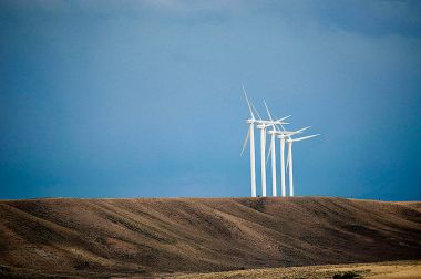 Wind turbines in Wyoming  (CGP Grey, Wikimedia Commons)