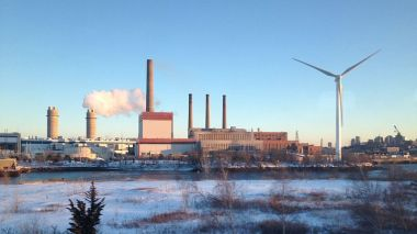 Mystic Generating Station, Everett, Massachusetts (Photo: Fletcher6, Wikimedia Commons)
