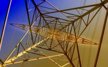 Transmission tower (Image: analogicus | Pixabay)